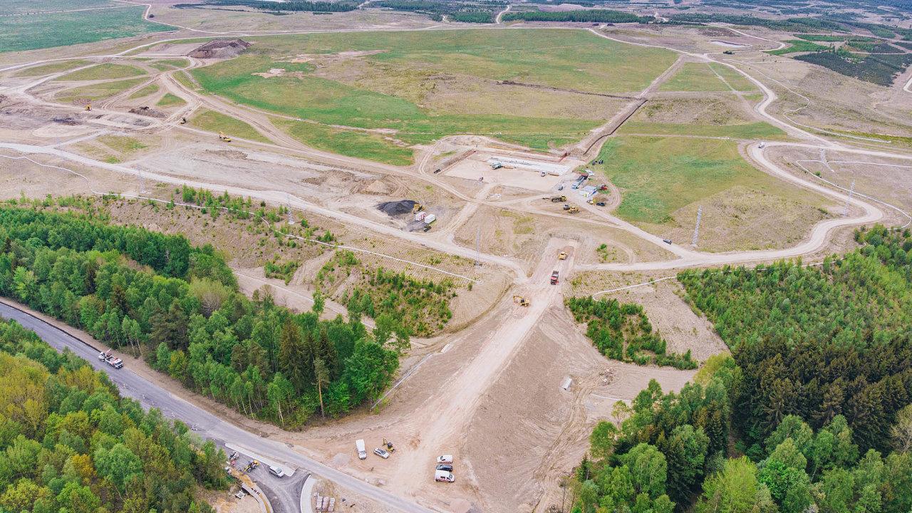 Plocha budoucího vývojového centra BMW se nachází namístě bývalé výsypky severně odSokolova azabere přibližně 650 hektarů.