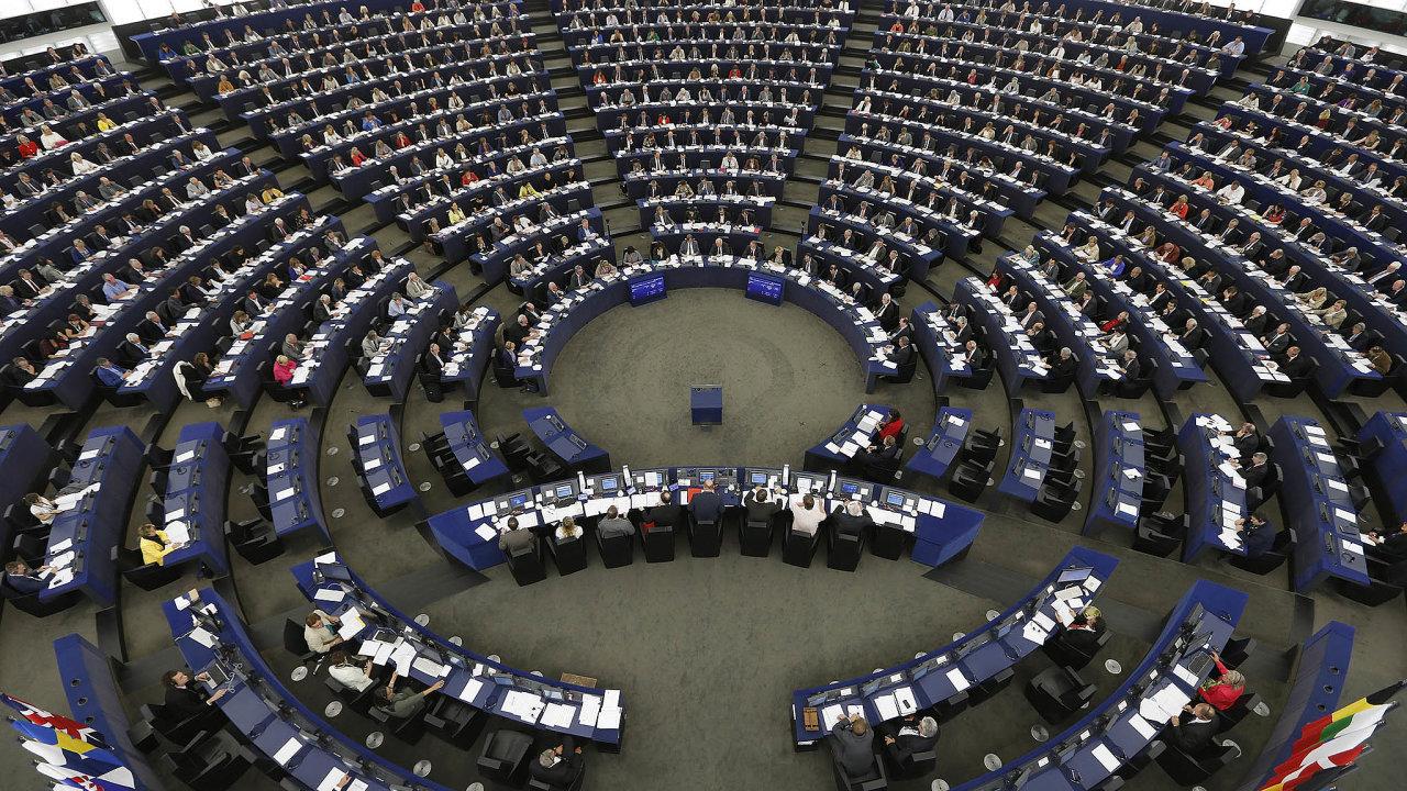 Příručka, která má vysvětlit fungování pravidel pro hospodaření zemí Evropské unie, má více než 100stran. Vyzná se v ní ale skutečně jen málokdo.