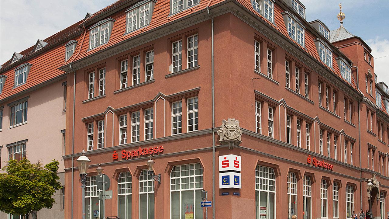 Ústředí Sparkasse Oberlausitz -Niederschlesien je ve městě Zittau (Žitava).