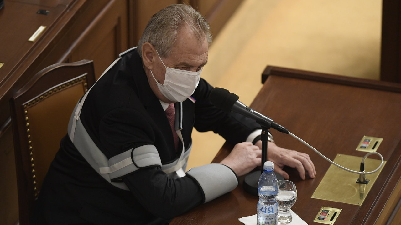 Miloš Zeman v Poslanecké sněmovně.