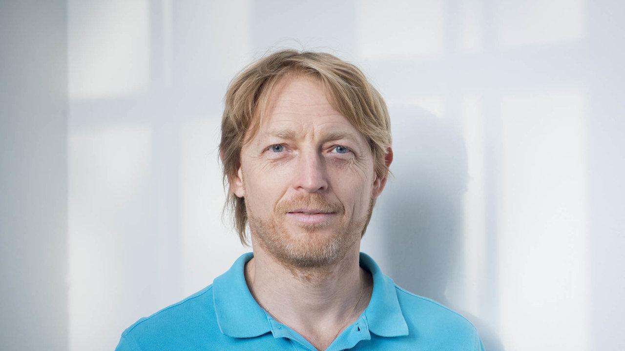 Podnikatel a filantrop Karel Janeček bere covid jako vakcínu proti lidské hlouposti a strachu.