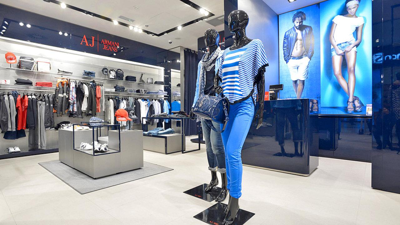 Prodejna Armani Jeans v obchodním centru Nový Smíchov.