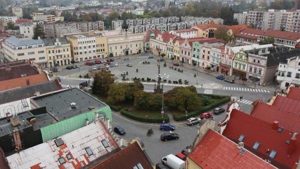 Havlíčkův Brod: Havlíčkovo náměstí z věže kostela Nanebevzetí Panny Marie