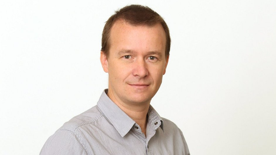 Petr Honzejk, komentátor HN