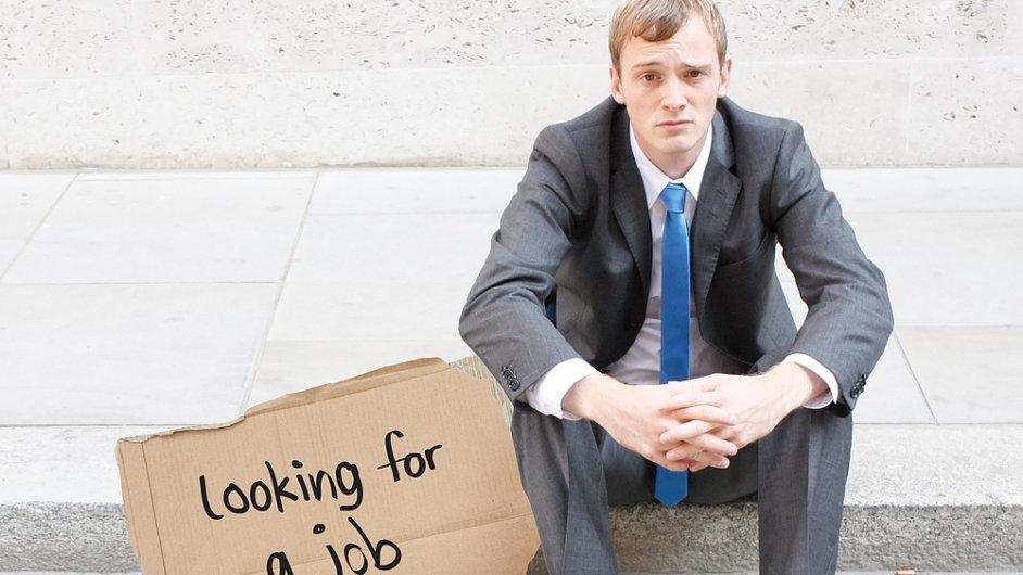 Mladí budou podle OECD i nadále patřit mezi skupiny nejohroženější nezaměstnaností (Ilustrační foto)