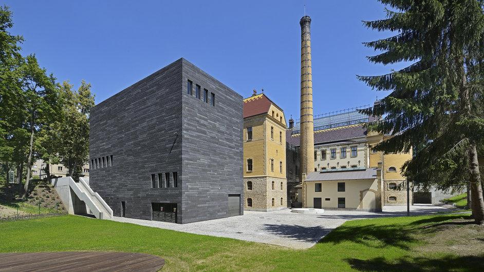 Rekonstrukce Městských lázní v Liberci na výstavní prostory.