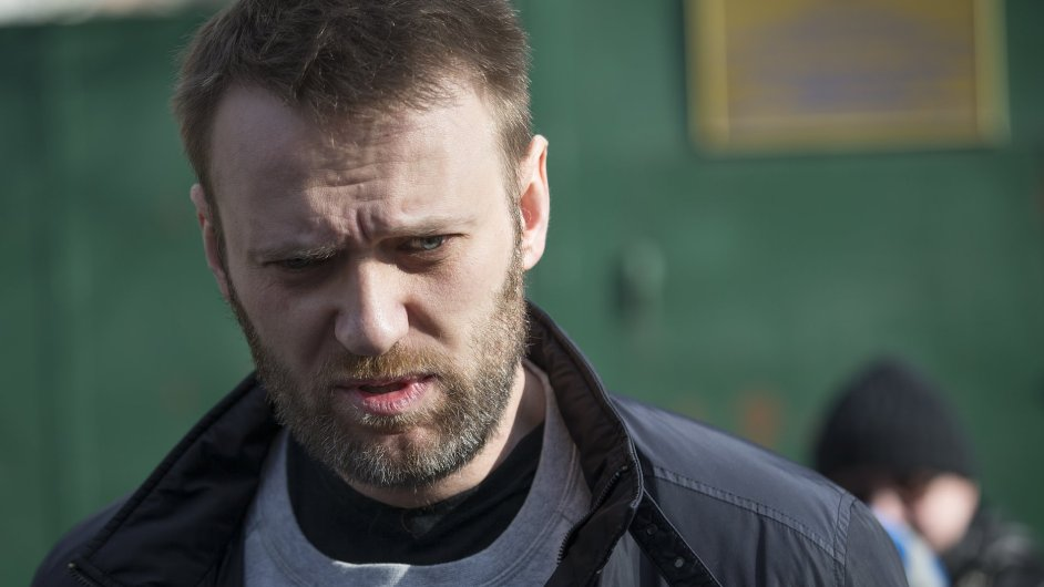 Ruský opoziční předák Alexej Navalnyj opouští vězení.