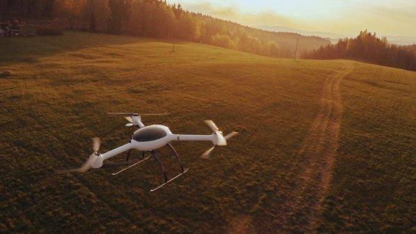 Firma vyvinula dron, který má na rozdíl od konkurence dlouhý dolet. Na snímku dron Flydeo Y6.