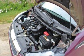 Nejúspornější auta si vystačí se třemi litry nafty a čtyřmi litry benzinu