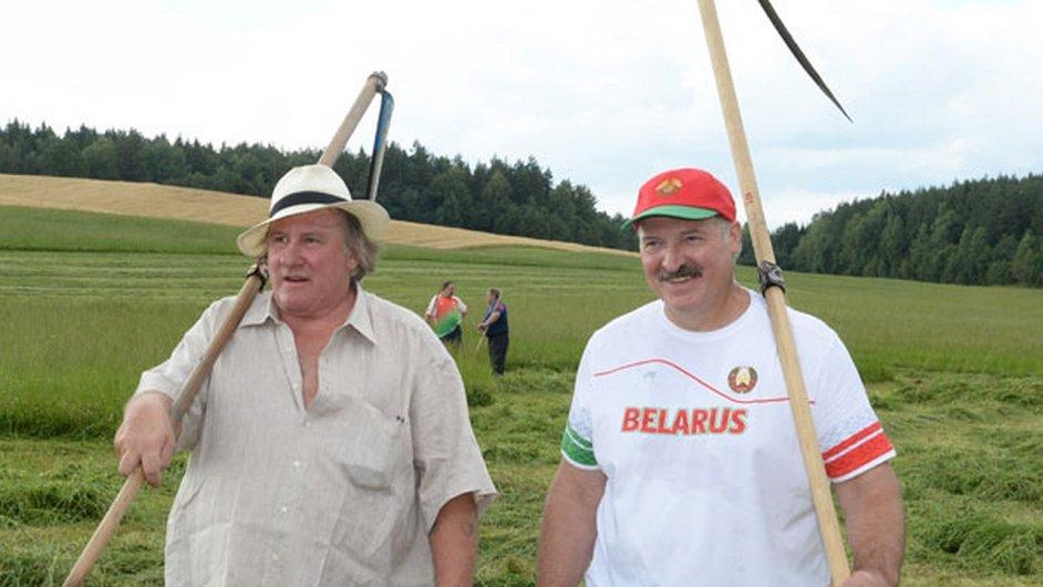 Běloruský prezident Lukašenko zahájil svou kampaň pro prezidentské volby ve společnosti francouzského herce Depardieua.