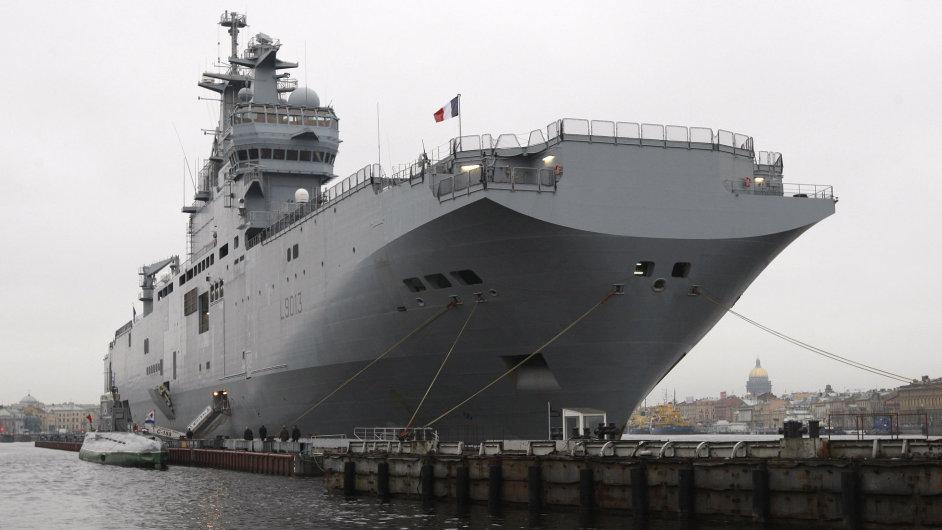 Vrtulníková výsadková loď třídy Mistral.