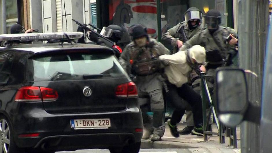 Nejhledanější muž EvropySalah Abdeslam byl zadržen v bruselské čtvrti Molenbeek.