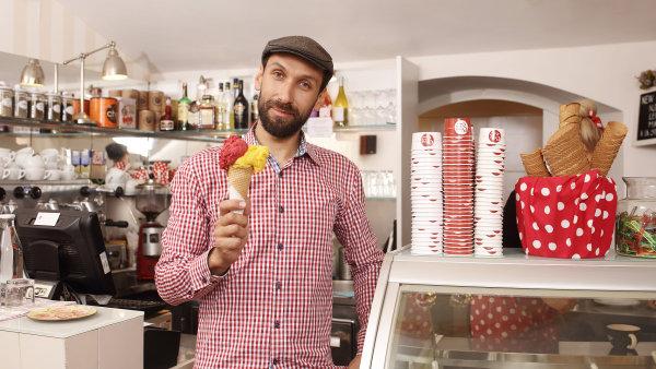 V poslední době se řemeslná zmrzlina začala objevovat také u nás.