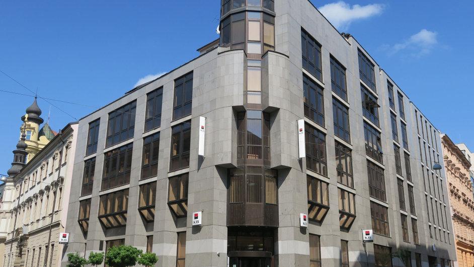 Budova KB v brněnské Kobližné ulici je nejdražší nemovitostí v nabídce. K mání je za více než 110 milionů korun