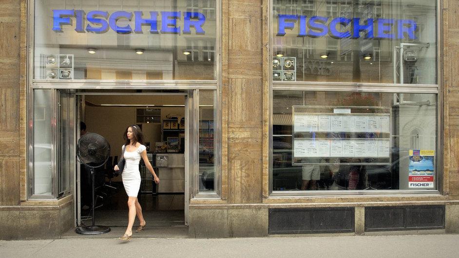 Cestovní kancelář Fischer za bývalého vlastníka neplatila pojištění klientů.