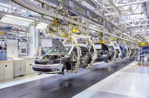 Výsledky prodejů aut v Česku jsou nezvykle napínavé. Škoda stagnuje, celý trh ale dál rychle roste