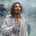 Scorseseho nový film Mlčení ukazuje krásné obrazy z pekla, je současný i podstatný