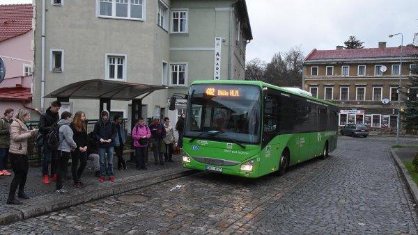 Řidiči linkových autobusů v Ústeckém kraji se ke stávce kvůli nízkým mzdám 6. dubna nepřipojili.