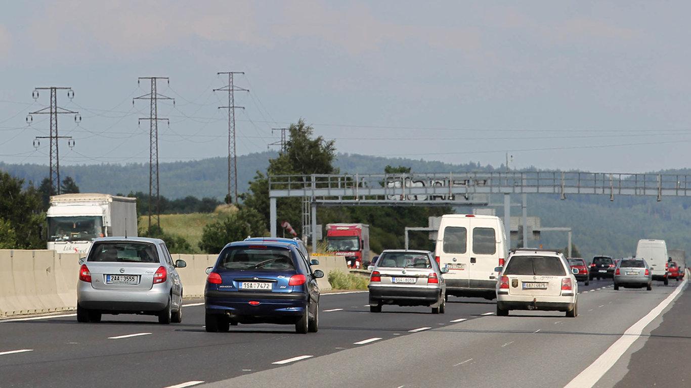 Chytré dálnice. VČesku přibudou další digitální značky, které radí řidičům ausměrňují je.