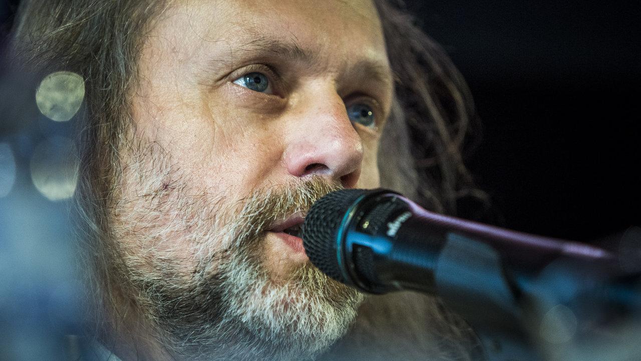 Nová sbírka básníka Petra Hrušky se začala rodit po loňské debatě na ostravském fóru Meltingpot (na snímku).