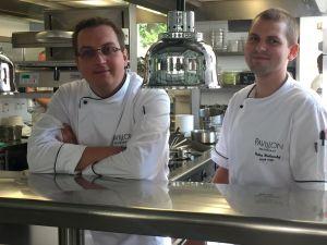 Jan Kaplan a Ondřej Dulanský, bývalý a současný šéfkuchař brněnské restaurace Pavillon