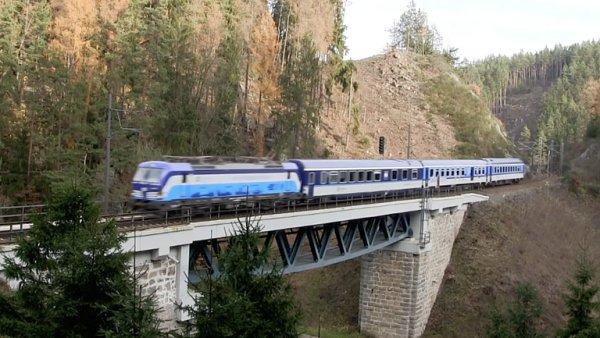 České dráhy nasadily nové lokomotivy Vectron, cestování se zkrátí