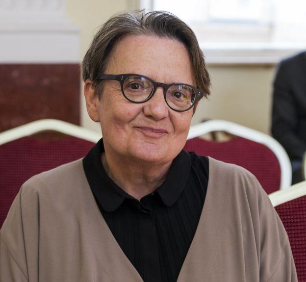 """""""Nebála bych se na nejdelší cestu vydat s mou českou kamarádkou Edou Kriseovou,"""" říká polská režisérka Agnieszka Hollandová."""
