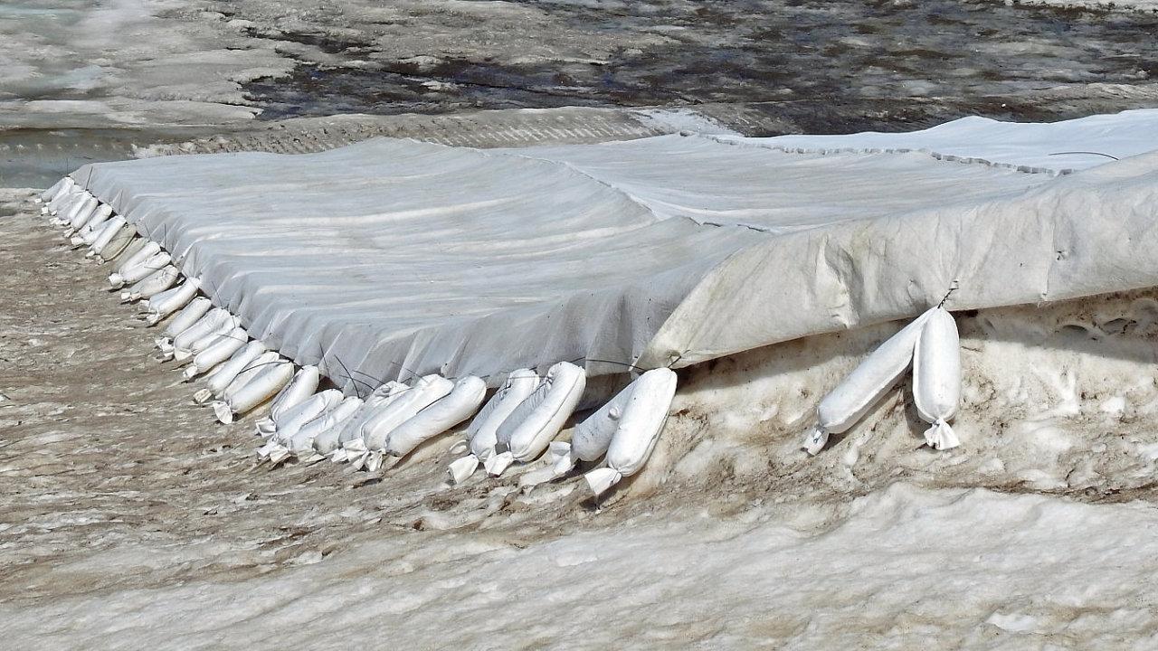 Snowfarming, sněhové farmaření, sníh, horská střediska, lyžování, hory, Alpy, Rakousko