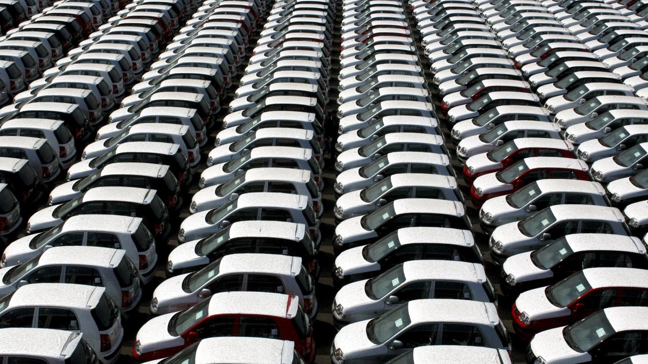 Pořídit si auto na operativní leasing se proti nedávné minulosti prodraží.