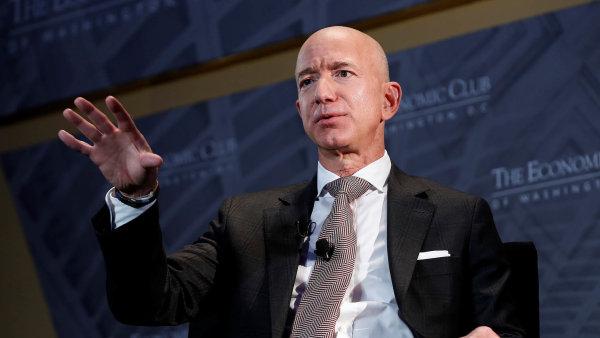 Vesmír Jeffa Bezose: Pokud zůstaneme jen na Zemi, společnost se zhroutí. Chci osídlit vesmír biliony lidí, říká nejbohatší člověk