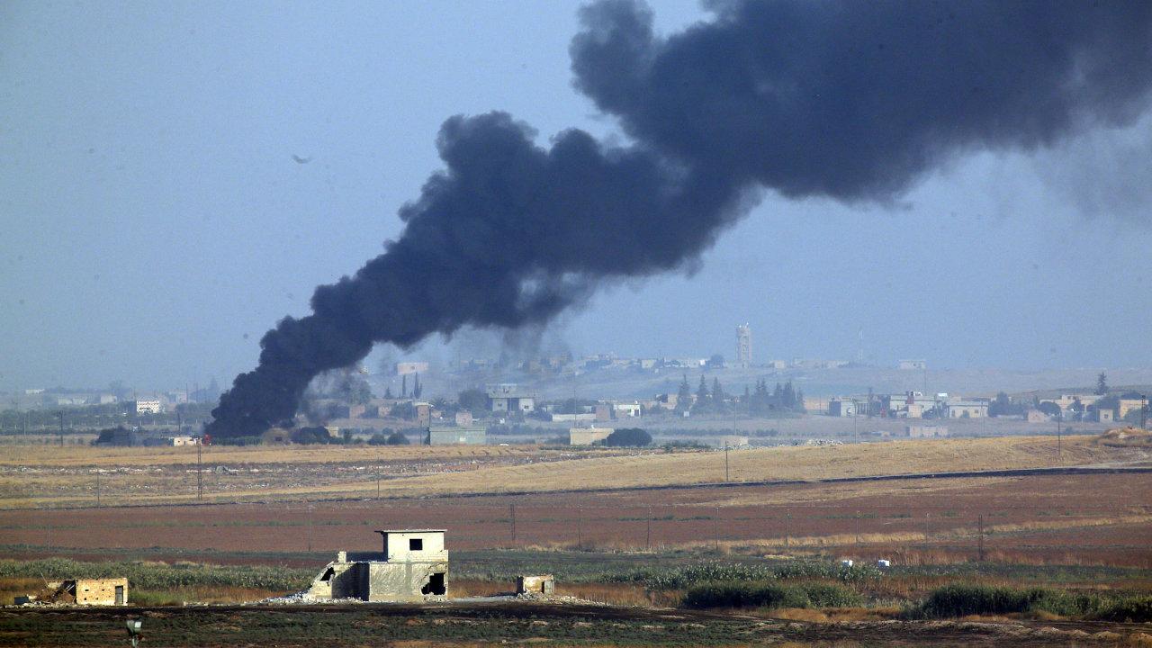 Turecko zahájilo ofenzivu na severu Sýrie.