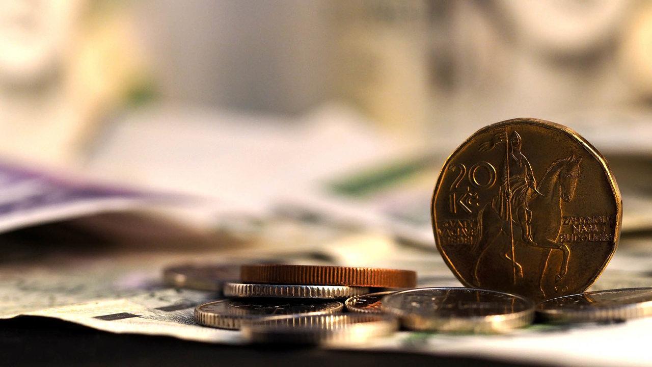 Průměrná mzda po zohlednění inflace ve druhém čtvrtletí podle odhadu většiny oslovených analytiků klesla kvůli dopadům šíření koronaviru i poměrně vysokému růstu spotřebitelských cen.