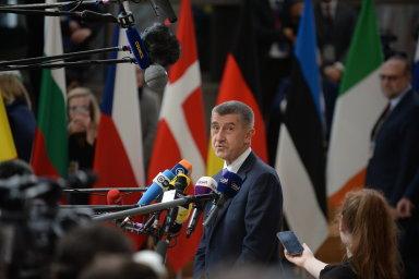 Česká vláda tak požaduje například zmírnění pravidel pro poskytování státní pomoci při výstavbě nových jaderných bloků.