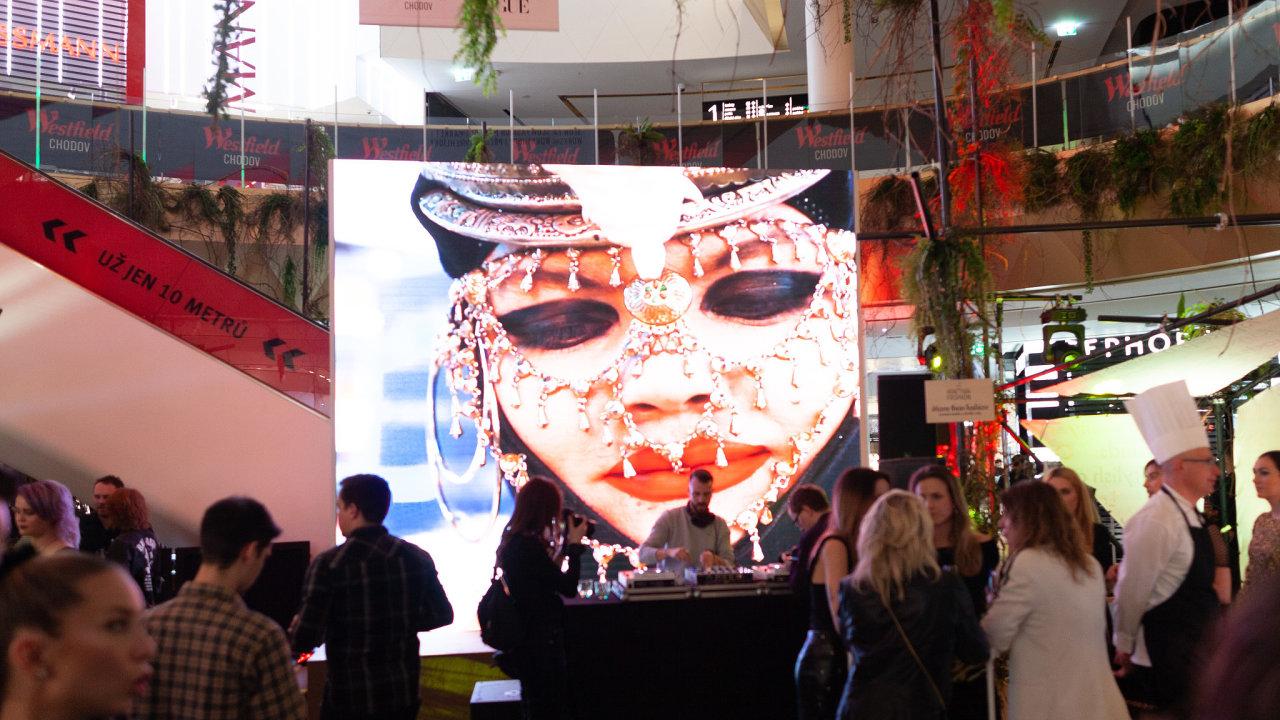 Festival udržitelné módy v Praze zahájil britský návrhář Daniel Lismore