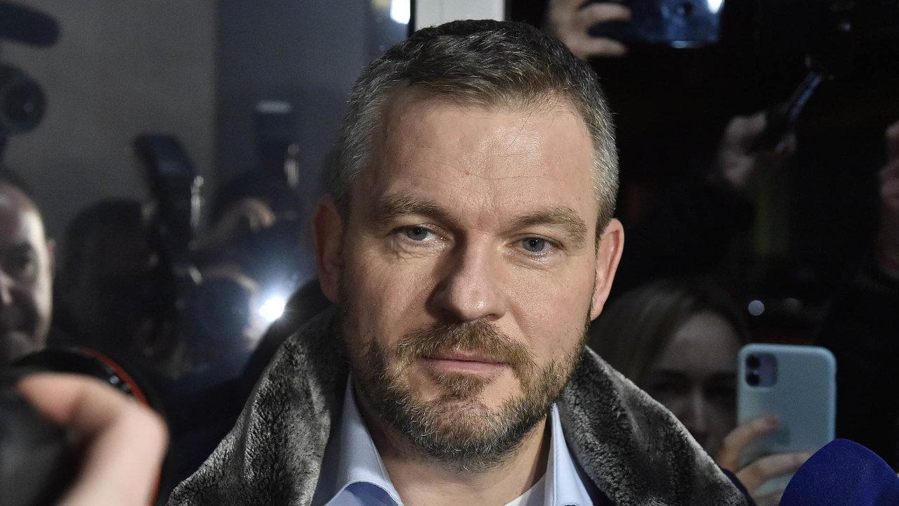 Slovenský expremiér Peter Pellegrini oznámil odchod zesvé mateřské strany Směr– sociální demokracie. Zároveň naznačil, že připravuje založení nové strany.