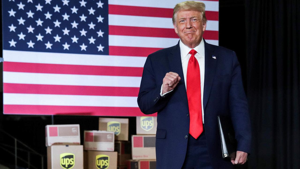 Americký prezident Donald Trump oznámil změkčení ekologických zákonů v Atlantě před zaměstnanci zasilatelské firmy UPS.