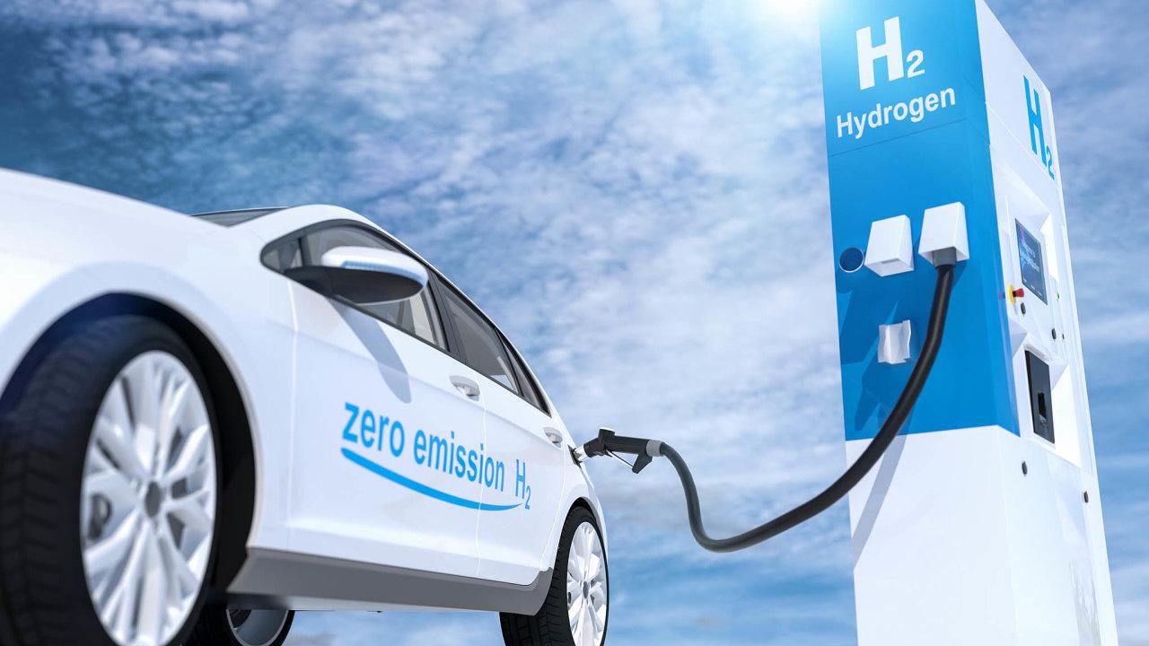Evropa bude muset dovodíku vnejbližších letech nalít vpřepočtu 1,6 bilionu korun. Tyto peníze by měly jít nejen narozšíření počtu plnicích stanic, ale izvýšení produkce vodíku.