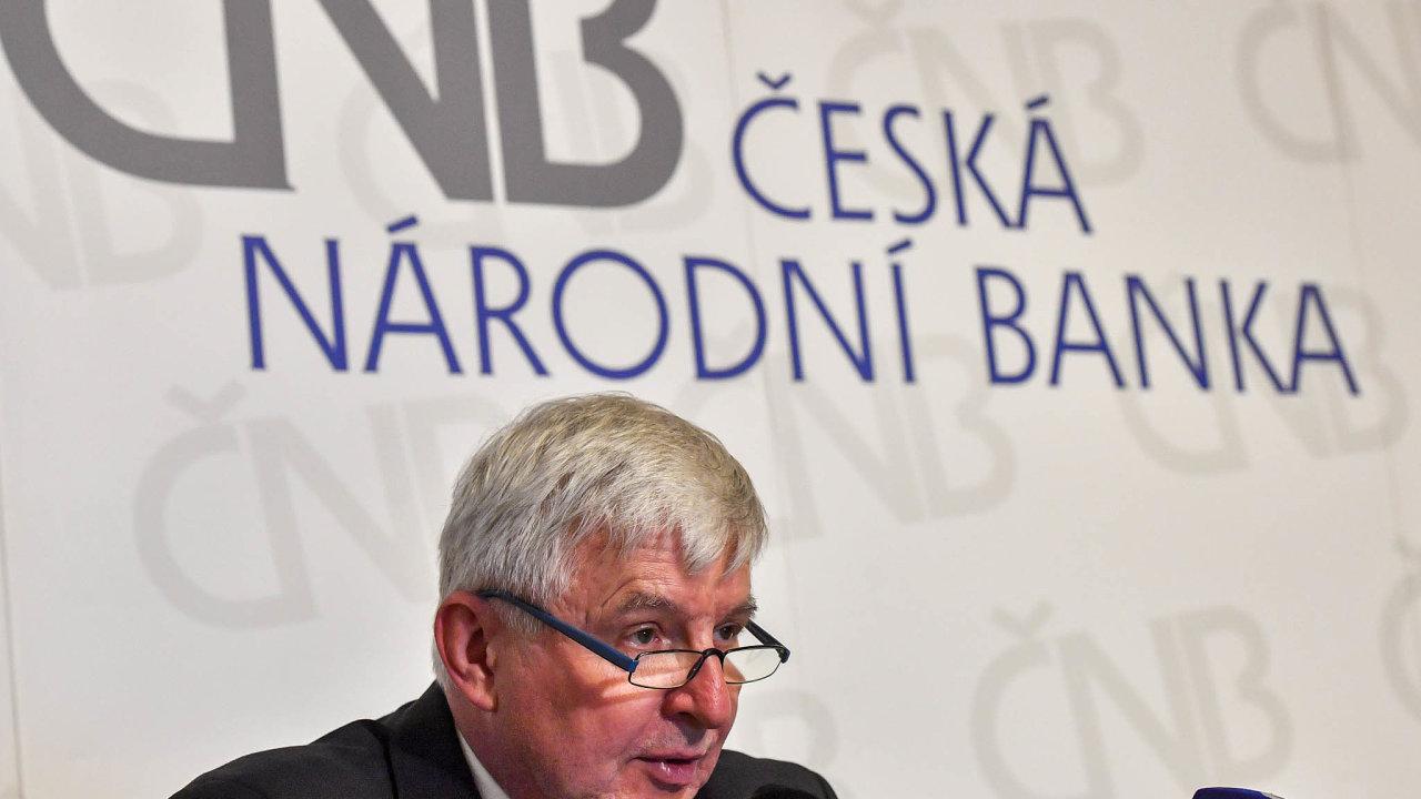 Posilování koruny bude pomáhat zvyšování hlavní úrokové sazby. Guvernér ČNB Jiří Rusnok a jeho tým mohou rozhodnout o vyšších sazbách už v srpnu.