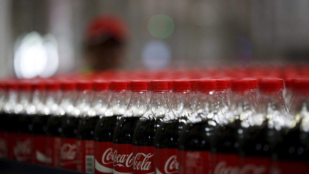 Coca-Cola zvýšila čistý zisk o 48 procent na 2,6 miliardy USD.