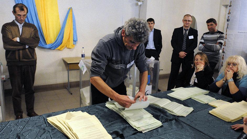 Sčítání hlasů na Ukrajině