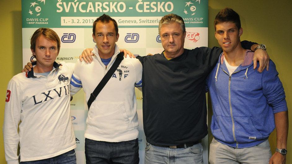 Zleva: Ivo Minář a Lukáš Rosol, kapitán týmu pro DC Jaroslav Navrátil a Jiří Veselý