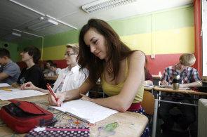 Naše blízká minulost před tabulí: Jak se vyučuje éra komunismu v českých školách