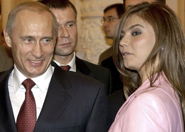 Vladimir Putin a olympijskou vítězkou v moderní gymnastice, o třicet let mladší Alina Kabajevova