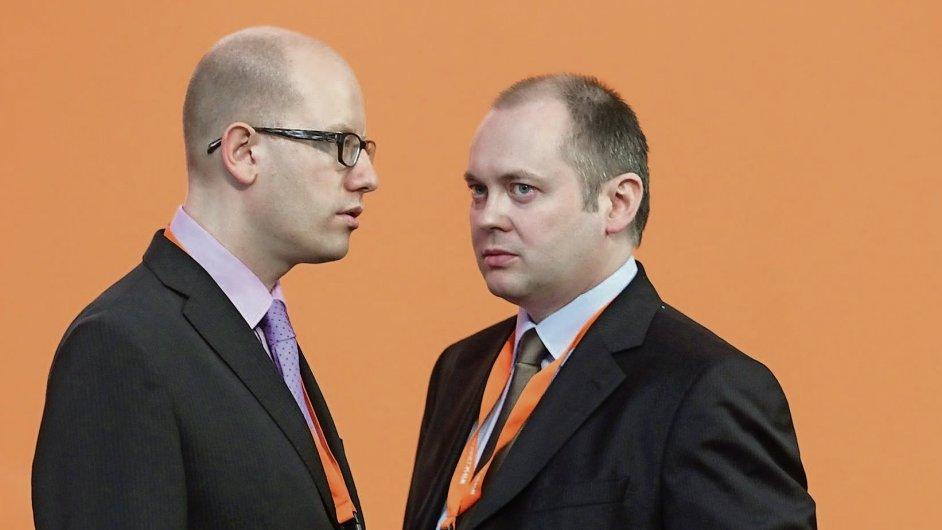 Šéf ČSSD Bohuslav Sobotka a první místopředseda strany Michal Hašek