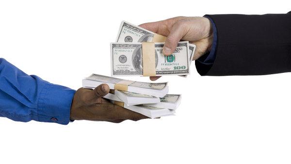 Principem P2P lendingu je co nejvíce upozadit roli instituce zprostředkovávající půčku. (Ilustrační foto)