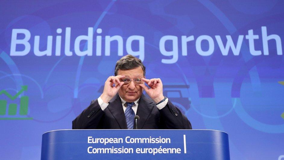 Prezident Evropské komise José Manuel Barroso na tiskové konferenci 2. června 2014