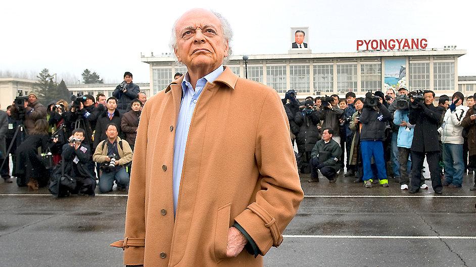 Dirigent Lorin Maazel byl kritizován za vystoupení v Severní Koreji.