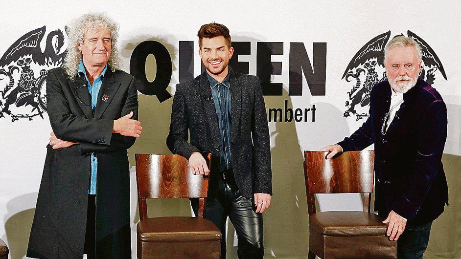 Zleva Brian May, Adam Lambert a Roger Taylor.