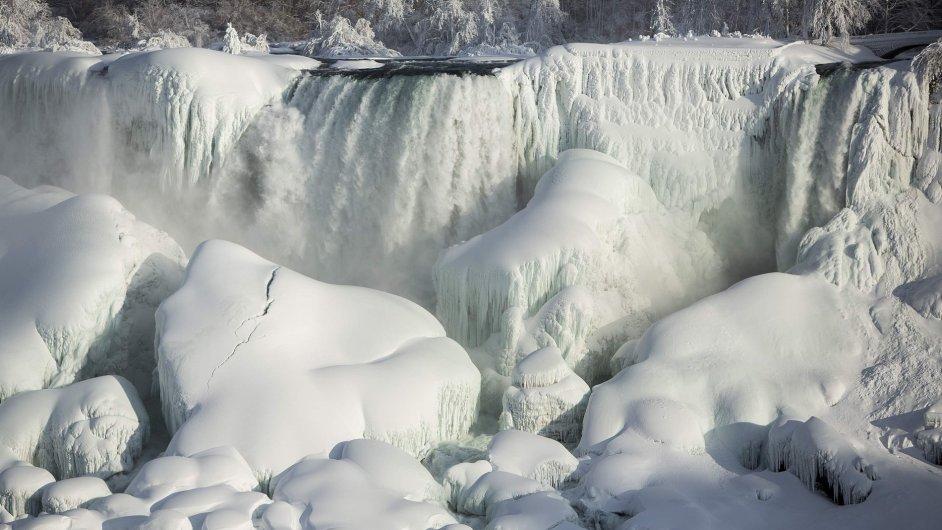 Zamrzlé Niagarské vodopády