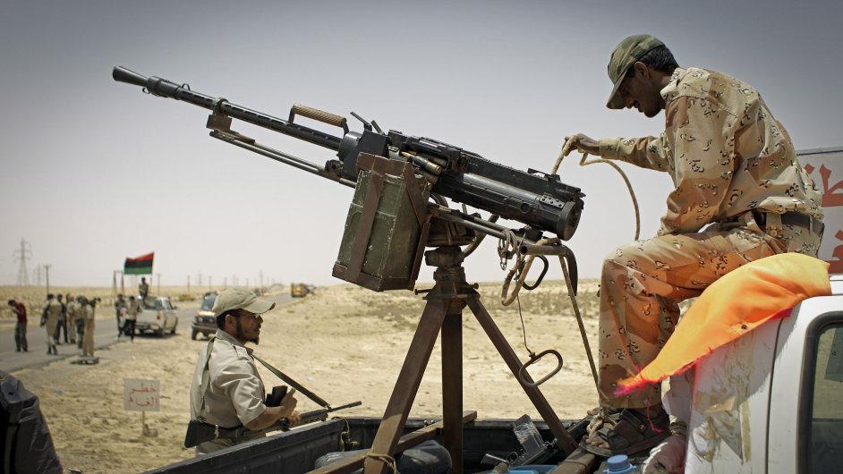 Libyjská vláda chce zrušit embargo na dovoz zbraní. OSN to odmítá, ilustrační foto